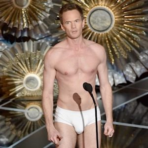 Neil Patrick Harris Shows Off His Bare Body