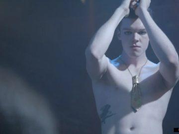 Cameron Monaghan naked scene