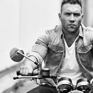 Jai Courtney Stuns The Internet With Nude Scandal