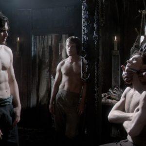 Alfie Allen full frontal nude