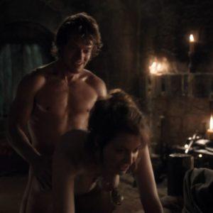 Alfie Allen jerk off nude