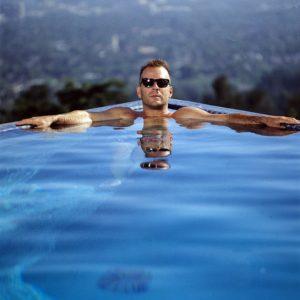 Bruce Willis nudes sexy