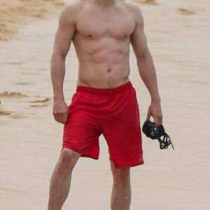 Charlie Hunnam nice muscles sexy
