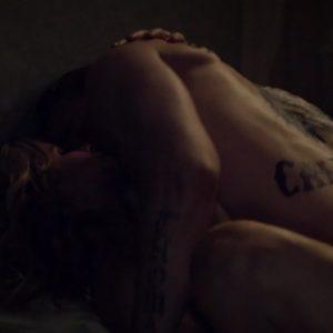 Charlie Hunnam sexy naked nude
