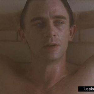 Daniel Craig full frontal nude