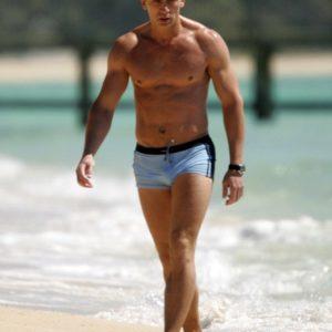 Daniel Craig hard dick sexy
