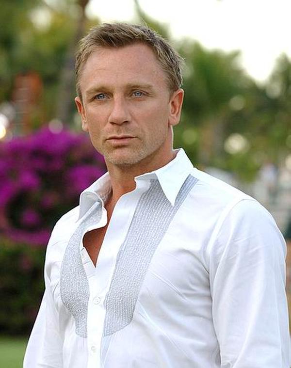 Daniel Craig manyvids sexy