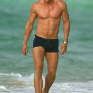 Daniel Craig uncut penis pic sexy