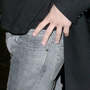David Henrie masturbating bulge