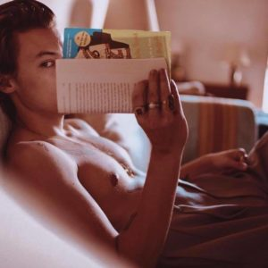 Harry Styles leak shirtless