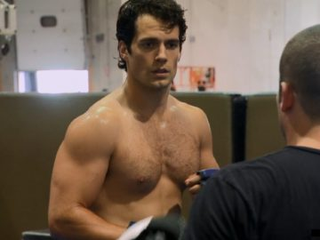 Henry Cavill dick slip shirtless