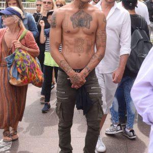 Jeremy Meeks gay shirtless