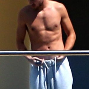 Liam Payne jerk off bulge