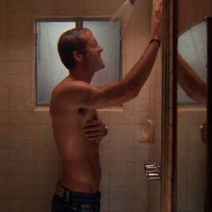 Ryan Reynolds bulge shirtless