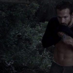 Ryan Reynolds hard shirtless