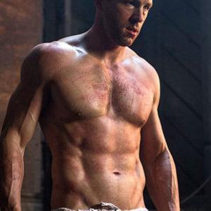 Ryan Reynolds hunk shirtless