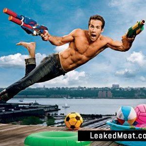 Ryan Reynolds underwear pic shirtless