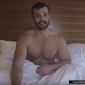 Simon Dunn nice muscles sexy selfies