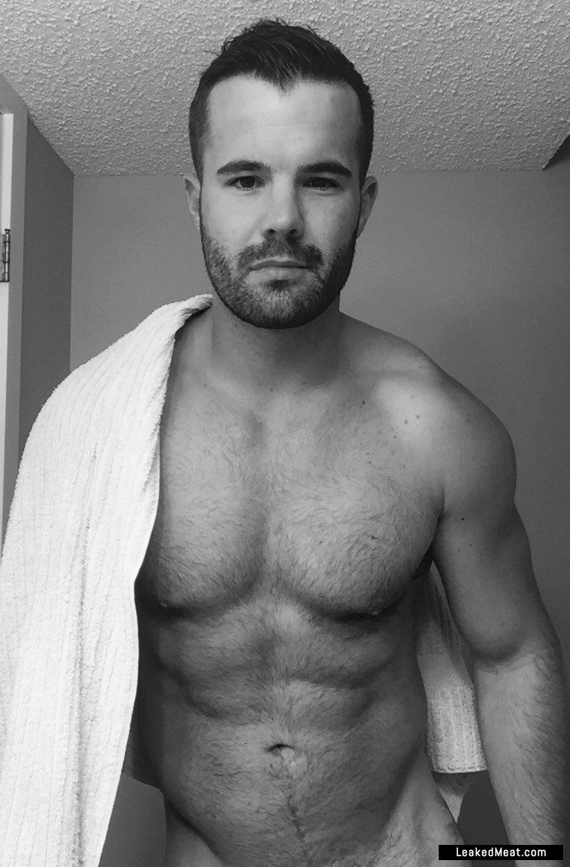 Dunn naked simon Simon Dunn