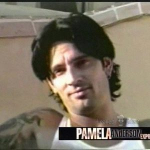 Tommy Lee sexy shirtless photo nude