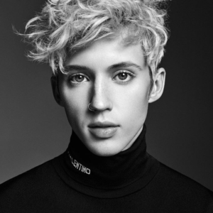 Troye Sivan ripped muscles sexy